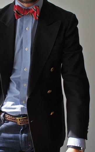 Comment porter: blazer croisé noir, chemise de ville en chambray bleu clair, jean bleu marine, nœud papillon rouge et bleu marine