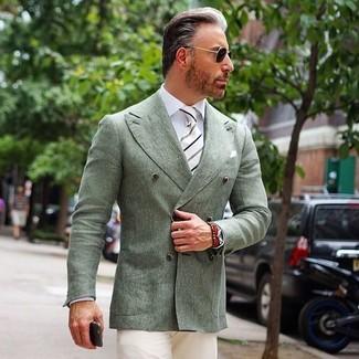 Comment porter: blazer croisé vert menthe, chemise de ville blanche, pantalon chino beige, cravate à rayures verticales blanche et noire