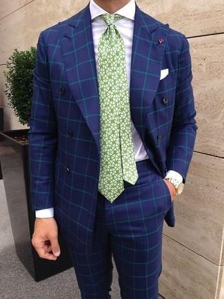 Comment porter: blazer croisé à carreaux bleu, chemise de ville blanche, pantalon de costume à carreaux bleu, cravate imprimée blanc et vert
