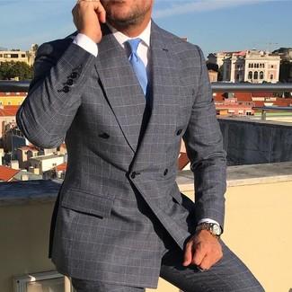 Comment porter: blazer croisé écossais gris, chemise de ville blanche, pantalon de costume écossais gris, cravate bleu clair