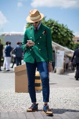 Comment porter une chemise de ville bleu clair: Associe une chemise de ville bleu clair avec un pantalon chino bleu marine pour un look idéal au travail. Pourquoi ne pas ajouter une paire de des chaussures de sport multicolores à l'ensemble pour une allure plus décontractée?