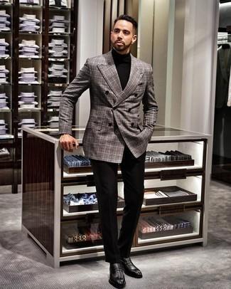Comment porter des slippers en cuir noirs: Associe un blazer croisé écossais gris avec un pantalon de costume noir pour un look classique et élégant. Si tu veux éviter un look trop formel, choisis une paire de des slippers en cuir noirs.