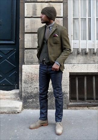 Comment porter: blazer en laine olive, gilet en laine gris, chemise de ville en vichy bleu marine et blanc, jean bleu marine