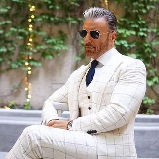 Comment porter: blazer à carreaux blanc, gilet à carreaux blanc, chemise de ville blanche, pantalon de costume à carreaux blanc