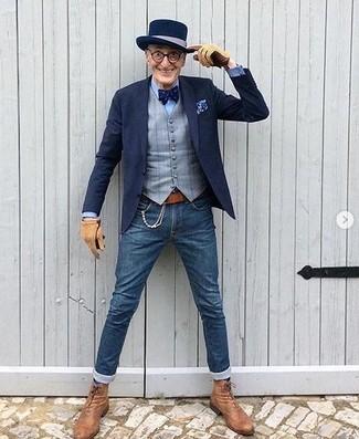 Comment porter: blazer bleu marine, gilet à carreaux gris, chemise de ville bleu clair, jean skinny bleu