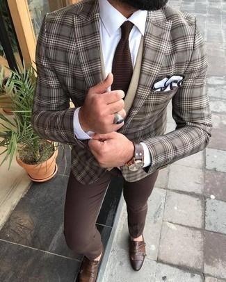 Comment porter une cravate en tricot marron: Pense à porter un blazer écossais marron et une cravate en tricot marron pour dégager classe et sophistication. Une paire de des double monks en cuir marron est une option parfait pour complèter cette tenue.