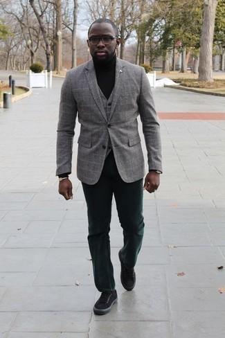 Comment porter des chaussettes noires: Choisis un blazer à carreaux gris et des chaussettes noires pour un look idéal le week-end. Jouez la carte classique pour les chaussures et assortis cette tenue avec une paire de des baskets basses en toile noires.