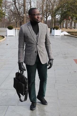 Comment porter des lunettes de soleil transparentes: Essaie d'associer un blazer à carreaux gris avec des lunettes de soleil transparentes pour un look confortable et décontracté. Opte pour une paire de des baskets basses en toile noires pour afficher ton expertise vestimentaire.