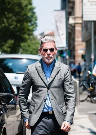 Tenue de Nick Wooster: Blazer gris, Chemise à manches longues bleu clair, Pantalon de costume gris foncé