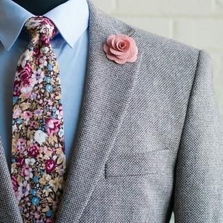 """L'association d'un blazer en laine gris et d'une chemise de ville bleue claire te démarquera de la masse sans trop être """"too much""""."""