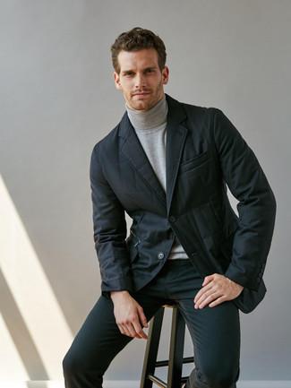 Comment porter: blazer matelassé noir, pull à col roulé gris, jean skinny noir