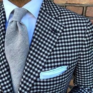 Comment porter un blazer en vichy noir et blanc: Choisis un blazer en vichy noir et blanc et une chemise de ville blanche pour dégager classe et sophistication.