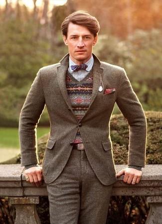 Comment porter: blazer en laine écossais marron, pull à col en v en jacquard marron, chemise à manches longues à rayures verticales blanche, pantalon de costume en laine écossais marron
