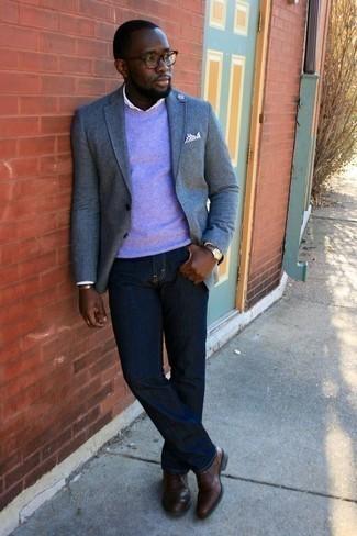 Une chemise de ville à porter avec un jean bleu marine: Perfectionne le look chic et décontracté avec une chemise de ville et un jean bleu marine. Apportez une touche d'élégance à votre tenue avec une paire de des chaussures richelieu en cuir marron.