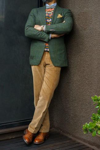 Comment porter un blazer vert foncé: Essaie de marier un blazer vert foncé avec un pantalon de costume en velours côtelé marron clair pour une silhouette classique et raffinée. Une paire de des chaussures derby en cuir tabac est une option génial pour complèter cette tenue.