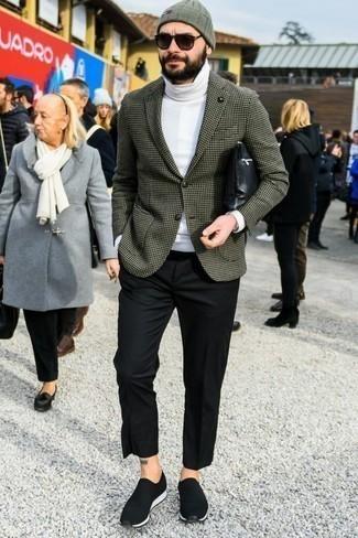 Comment porter un bonnet olive: Pense à opter pour un blazer à carreaux olive et un bonnet olive pour un look confortable et décontracté. Une paire de des chaussures de sport noires et blanches est une option avisé pour complèter cette tenue.
