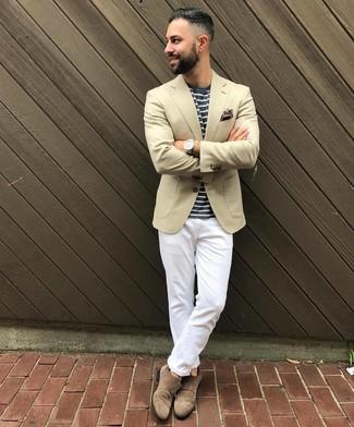 Comment porter une pochette de costume marron: Pense à porter un blazer beige et une pochette de costume marron pour un look confortable et décontracté. Transforme-toi en bête de mode et fais d'une paire de des double monks en daim marron ton choix de souliers.