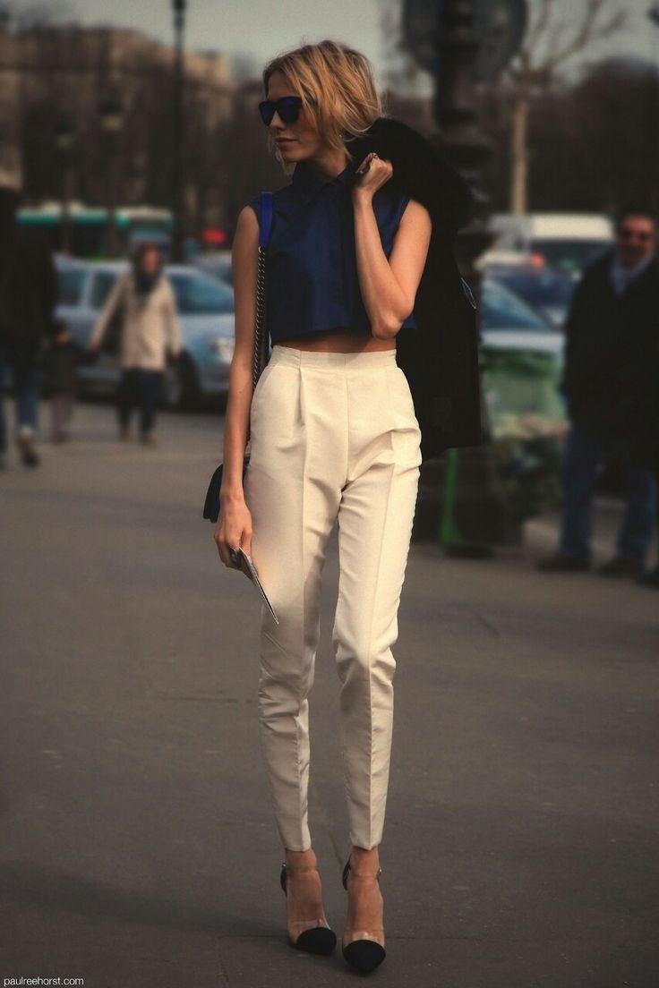Que mettre avec un pantalon carotte fashion designs - Que porter avec un pantalon beige femme ...