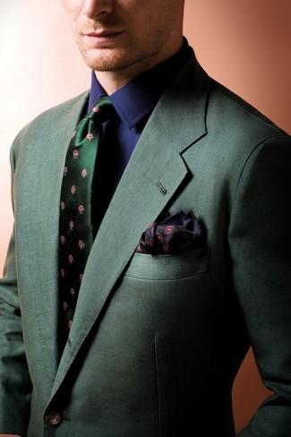 Comment porter: blazer vert foncé, chemise de ville bleu marine, cravate en soie à fleurs vert foncé, pochette de costume imprimée noire