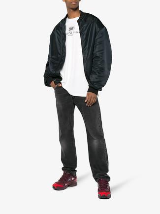 Pense à associer un blouson aviateur noir Ben Sherman avec un jean gris foncé pour une tenue confortable aussi composée avec goût. Jouez la carte décontractée pour les chaussures et fais d'une paire de des chaussures de sport bordeaux ton choix de souliers.