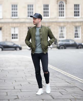 Pour une tenue aussi confortable que ton canapé, harmonise un blouson aviateur olive hommes Ben Sherman avec un jean skinny déchiré noir. Jouez la carte classique pour les chaussures et fais d'une paire de des baskets basses en cuir blanches ton choix de souliers.