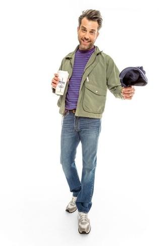Associer un blouson aviateur olive Ben Sherman avec un jean bleu est une option confortable pour faire des courses en ville. Si tu veux éviter un look trop formel, assortis cette tenue avec une paire de des chaussures de sport grises.
