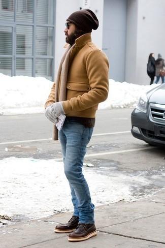 Comment porter des gants: Essaie d'harmoniser un caban marron clair avec des gants pour un look confortable et décontracté. Une paire de des bottes de loisirs en cuir marron foncé ajoutera de l'élégance à un look simple.