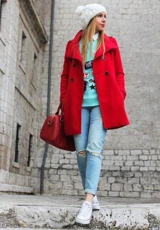 Un caban rouge et un jean skinny déchiré bleu clair sont un choix de tenue idéale à avoir dans ton arsenal. Jouez la carte décontractée pour les chaussures et assortis cette tenue avec une paire de des baskets basses en toile blanches.
