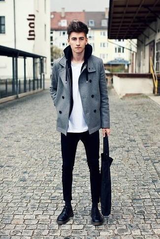 Comment porter: caban gris, sweat à capuche noir, t-shirt à col rond blanc, pantalon chino noir
