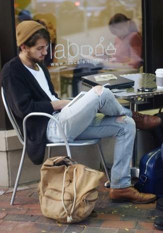 Comment porter: cardigan noir, t-shirt à col rond blanc, jean déchiré bleu clair, chaussures brogues en cuir marron