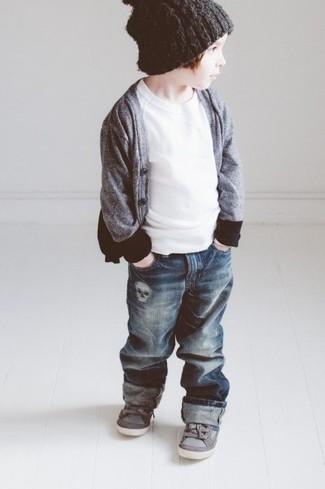 Comment porter: cardigan gris, t-shirt blanc, jean bleu marine, baskets grises