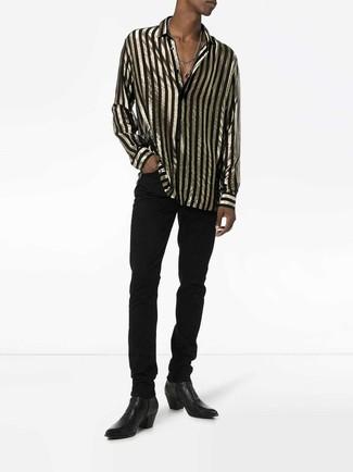 Comment porter: chemise à manches longues à rayures verticales noir et doré, jean noir, bottines chelsea en cuir noires