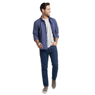 Comment porter: chemise à manches longues á pois bleu marine, t-shirt à col rond gris, jean bleu marine, baskets basses en toile grises