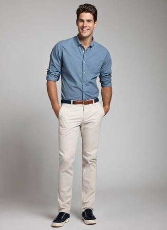 Tenue: Chemise à manches longues bleue, Pantalon