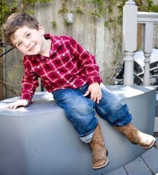 Comment porter: chemise à manches longues écossaise rouge, jean bleu, bottes marron