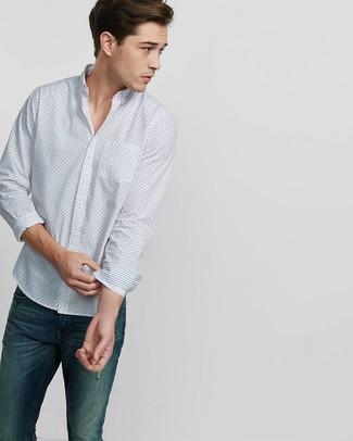 Comment porter: chemise à manches longues imprimée blanche, jean bleu marine