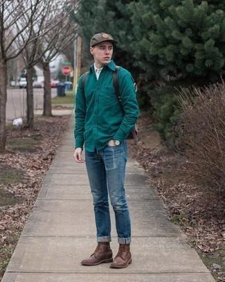 Comment porter une casquette de base-ball marron: Garde une tenue relax avec une chemise à manches longues vert foncé et une casquette de base-ball marron. Rehausse cet ensemble avec une paire de bottes de loisirs en cuir marron foncé.