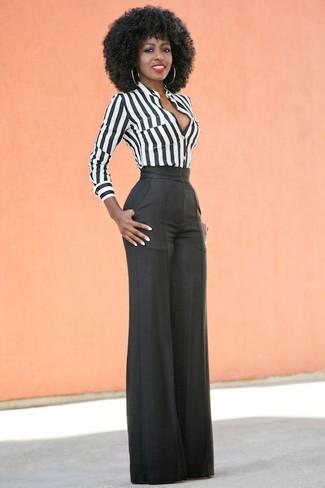 Comment porter: chemise de ville à rayures verticales blanche et noire, pantalon large noir