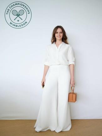 Comment porter: chemise de ville en soie blanche, pantalon large blanc, sac à main en cuir marron clair, lunettes de soleil vert foncé
