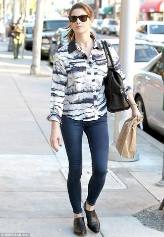 Chemise de ville jean skinny bleu marine bottines chelsea sac fourre tout noir large 1001