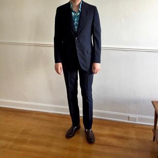 Comment porter un costume à rayures verticales bleu marine: Essaie d'associer un costume à rayures verticales bleu marine avec une chemise à manches courtes imprimée bleue pour achever un look habillé mais pas trop. Une paire de slippers en cuir marron foncé est une façon simple d'améliorer ton look.