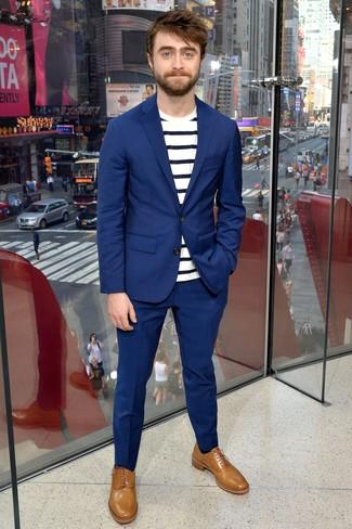 Tenue de Daniel Radcliffe  Costume bleu fa9005d18bb
