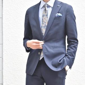 Comment porter: costume bleu marine, chemise de ville à rayures verticales bleu clair, cravate imprimée cachemire bleu marine, pochette de costume imprimée violet clair