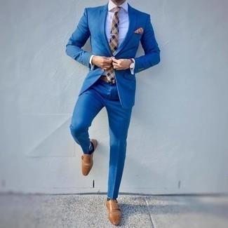 Comment porter une cravate écossaise marron clair: Associe un costume bleu avec une cravate écossaise marron clair pour un look classique et élégant. Tu veux y aller doucement avec les chaussures? Choisis une paire de double monks en cuir marron clair pour la journée.