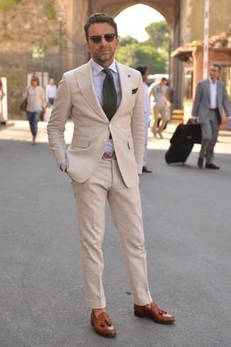 Tenue  Costume beige, Chemise de ville bleu clair, Mocassins à pampilles en  cuir marron, Cravate olive   Mode hommes   Lookastic France cd5615f4ed2