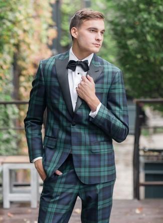 Comment porter: costume écossais bleu marine et vert, chemise de ville blanche, nœud papillon noir