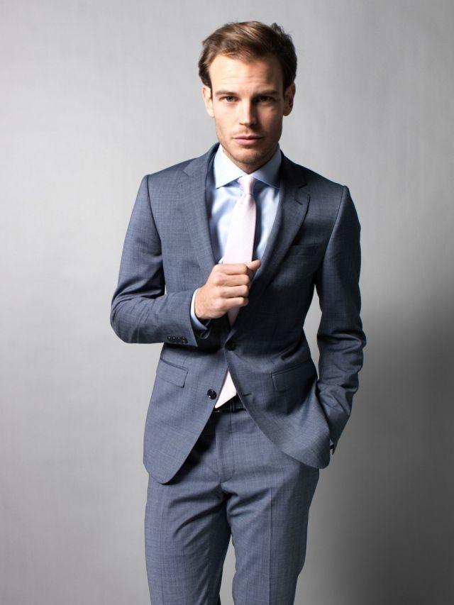 Costume beige cravate bleue - Costume gris fonce ...