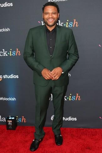 Costume vert fonce chemise de ville noire slippers en cuir noirs large 26365