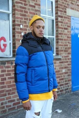 Comment porter: doudoune bleue, sweat-shirt jaune, jean déchiré blanc, bonnet jaune