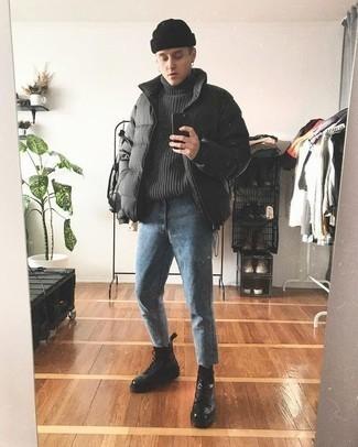 Des bottes de loisirs à porter avec un jean bleu: Associe une doudoune gris foncé avec un jean bleu si tu recherches un look stylé et soigné. Termine ce look avec une paire de des bottes de loisirs.